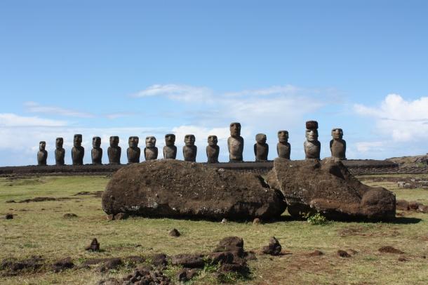 Moai_mo'ai__Rapa_Nui