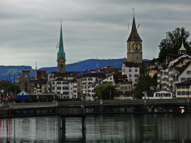Fraumünster_Church_Lake_Zürich